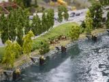 Belebter Weg am Kanal