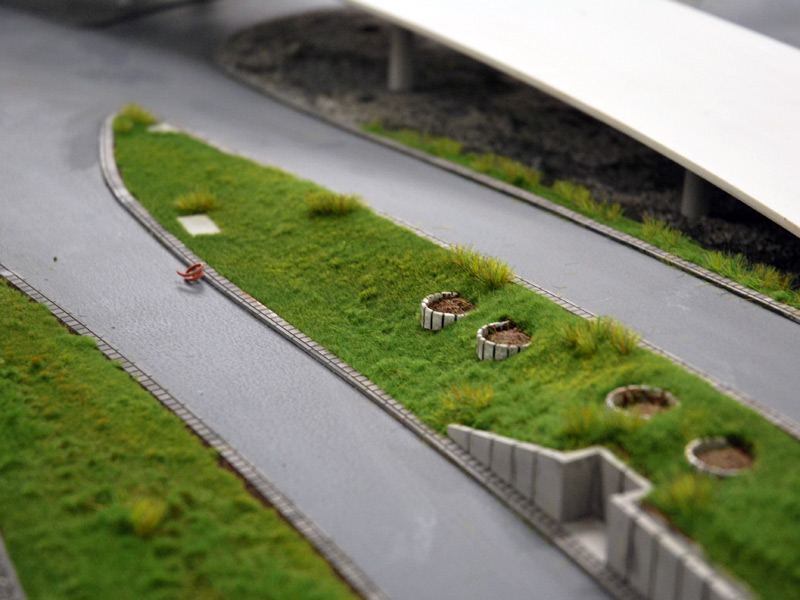 Avancement des travaux pour l'aéroport... ( Juin - Juillet 2010 ) Begruenung-parkzone