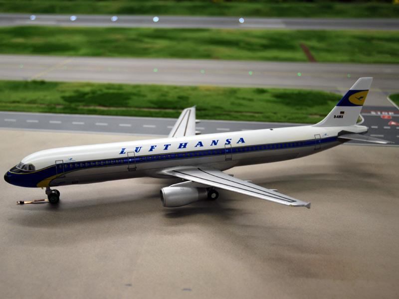 Avancement des travaux pour l'aéroport... ( Juin - Juillet 2010 ) Lh-a321-ii